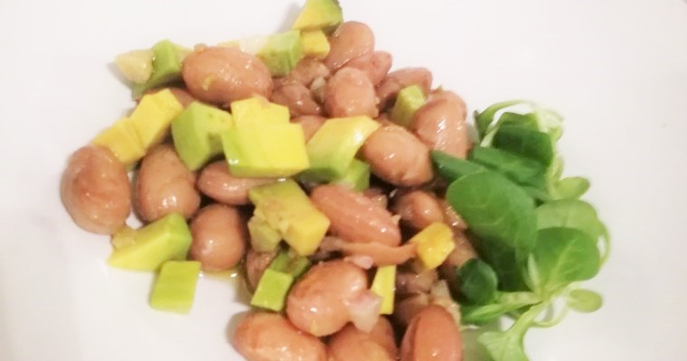 Insalata di fagioli e avocado