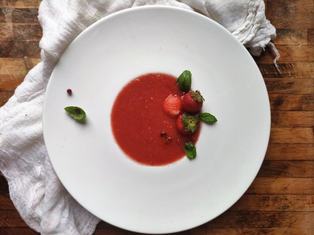 Gazpacho estivo pomodori, anguria e fragole